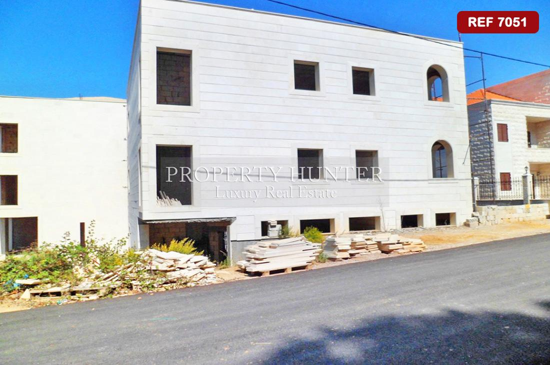 6 Bedroom Standalone Villa in Mount Lebanon Governorate